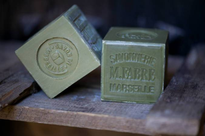 How to tell if it's real Marseille soap in 5 stages ?